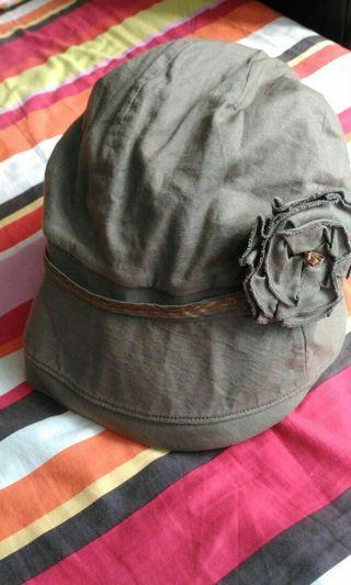 Ladies hat 帽
