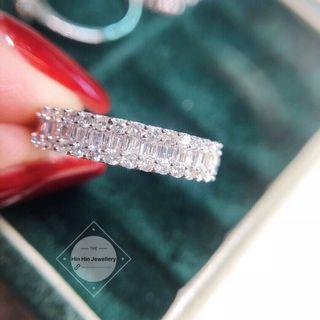 現貨❤️可睇 T方鑽戒,18K金材質,鑽石合計50分,人手必備的一款小清新鑽戒💍只要💰$2100 鑽石如圖白亮白亮的