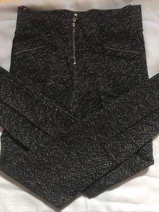 celana hitam motif putih