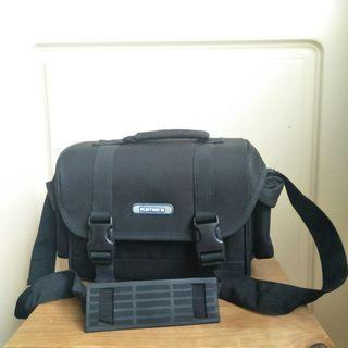【onsale】Kamera黑色斜背方形相機袋.相機包