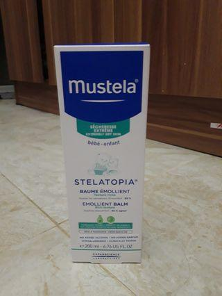 Mustela Stelatopia