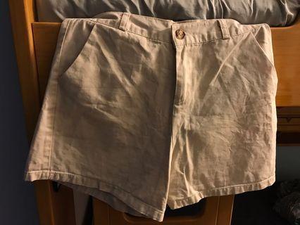 杏色文青短褲
