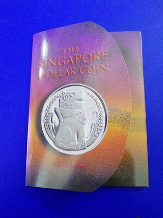 Singapore 1976 Stylised Lion UNC $1 Coin in Nice Folder