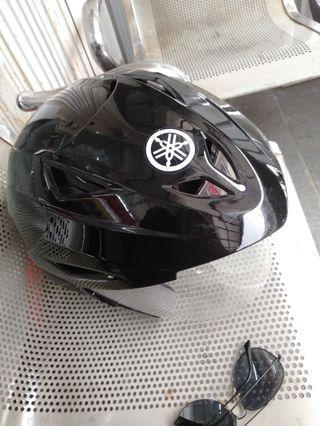 Helm Maxi Yamaha