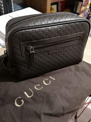 Gucci Pouch Brown colour