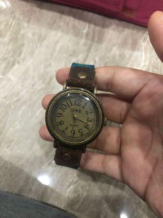 Jam tangan IEKE