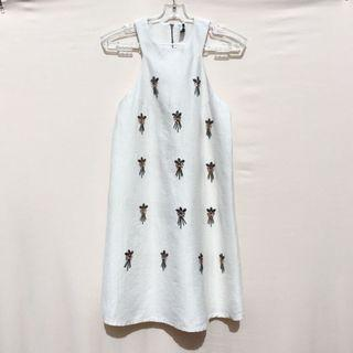 TOPSHOP WHITE SLEEVELESS SHIFT DRESS
