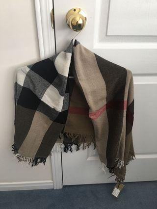 Burberry Scarf 💯 wool and new