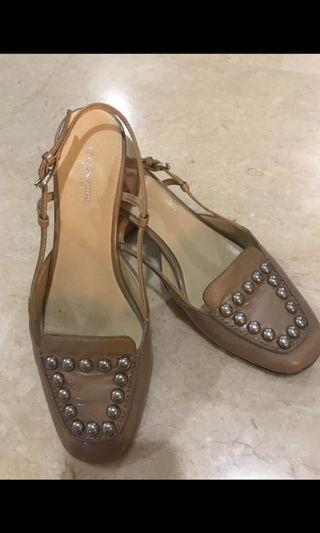 🚚 COACH shoes