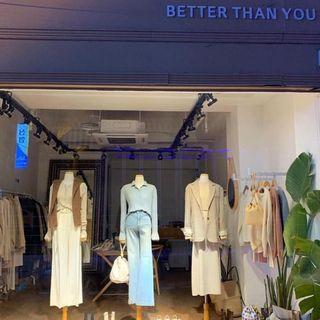 福袋99元,共10樣喜歡zara H&M 風格先完成匯款免費贈送9件 超值福袋 隨機出貨二手商品包括:鞋、襪、包包、褲子、裙子、上衣、飾品、美妝、家用品