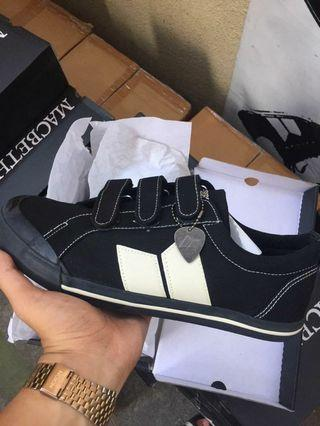 Macbeth Elliot VELCRO