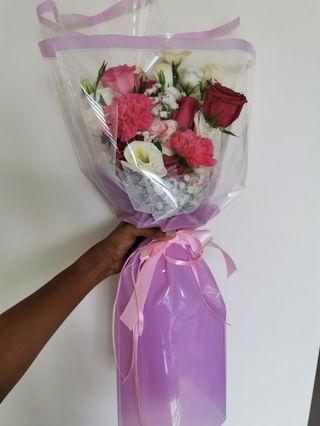 🚚 Mixed Roses Flower Bouquet