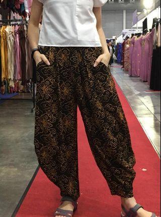 """""""Genie"""" in a trendy batik pants"""