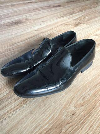 🚚 Zara man 黑色漆皮樂福鞋男鞋皮鞋 Ted Baker Gucci Prada Tod's Paul Smith