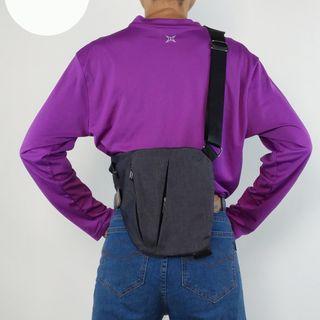 【小牛屋精品】《現貨》服貼型隨身胸包/斜背包/隱藏背包