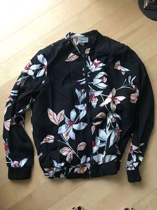 🚚 Floral Bomber Jacket Size M