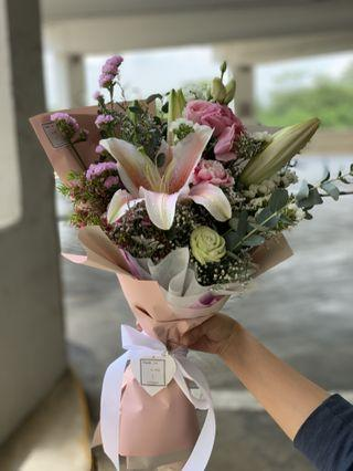 🚚 Flower Bouquet (Only You lily)