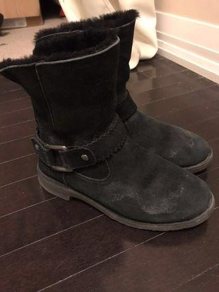 Uggs (7) - Cedric Boot + free cleaning kit