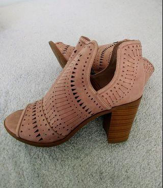 Fergalicious by Fergie pink ankle boot (size 10)