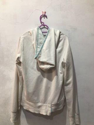 #KLSENTRAL Blue white sweater