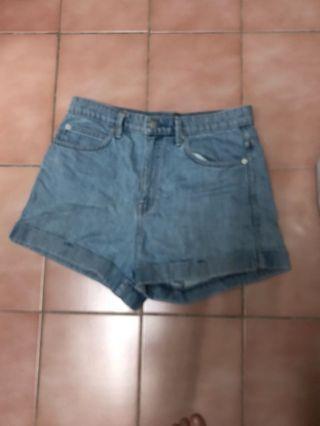 Gap牛仔短褲