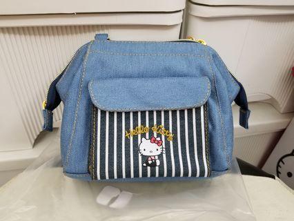 Sanrio Hello kitty 斜揹牛仔布小手袋仔