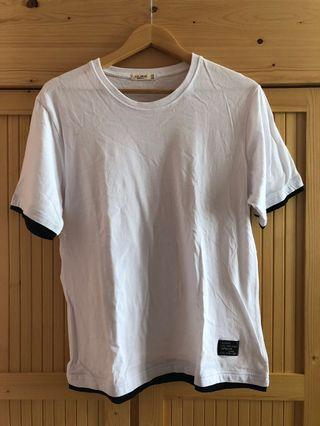 Simple White T-shirt with black linings
