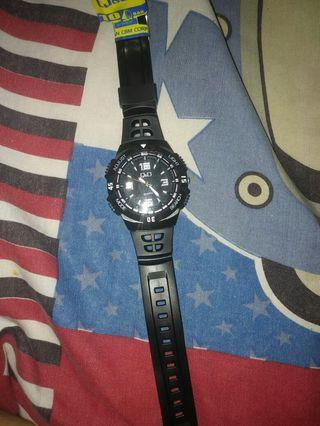 #BAPAU Jam tangan Q&Q black