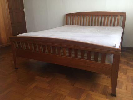 🚚 Scantek Queen size Bedframe
