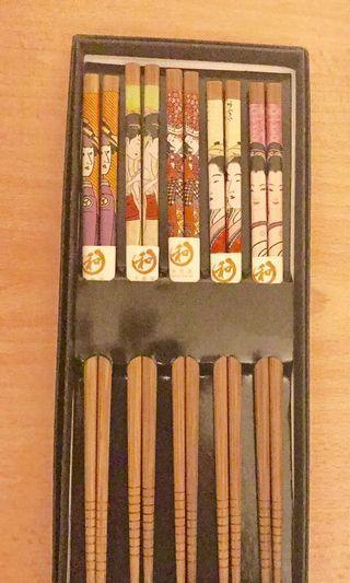 Chopsticks set of five with box