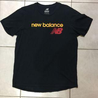 🚚 二手商品NEW BALANCE 大學T恤