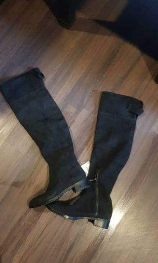 bershka boots (new with tag)