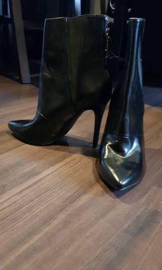 zara boots (new)