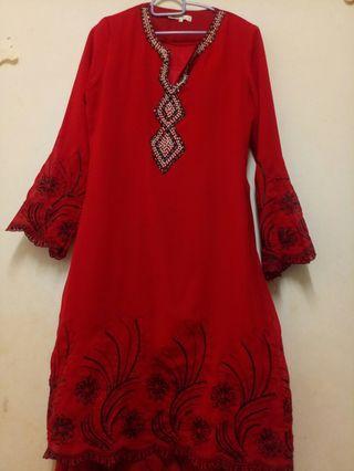 blood red baju kurung