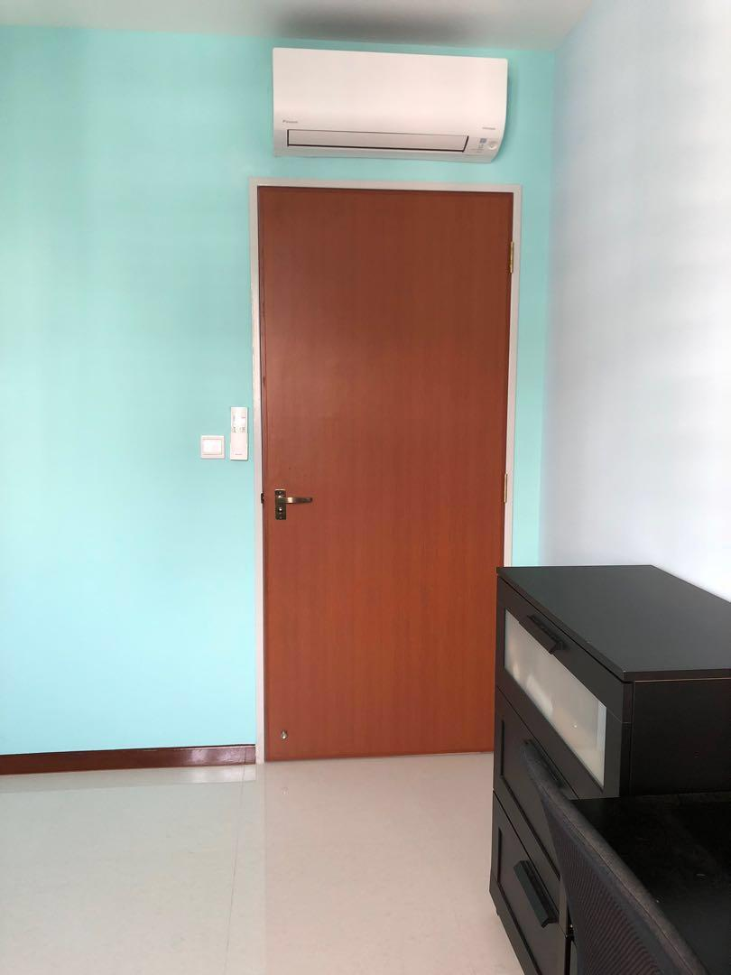 2 Common Rooms Near MRT With Aircon