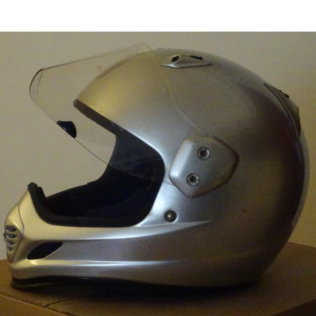 Arai motorcycle helmet 電單車 頭盔   M-size (Some scratches, never impacted 無跌過)