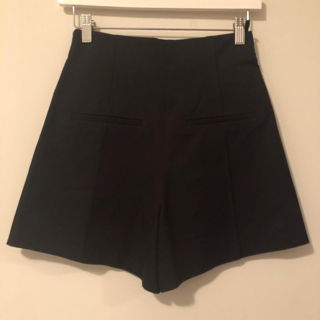 Aritzia Babaton Shorts high waisted Bi Stretch Size 0