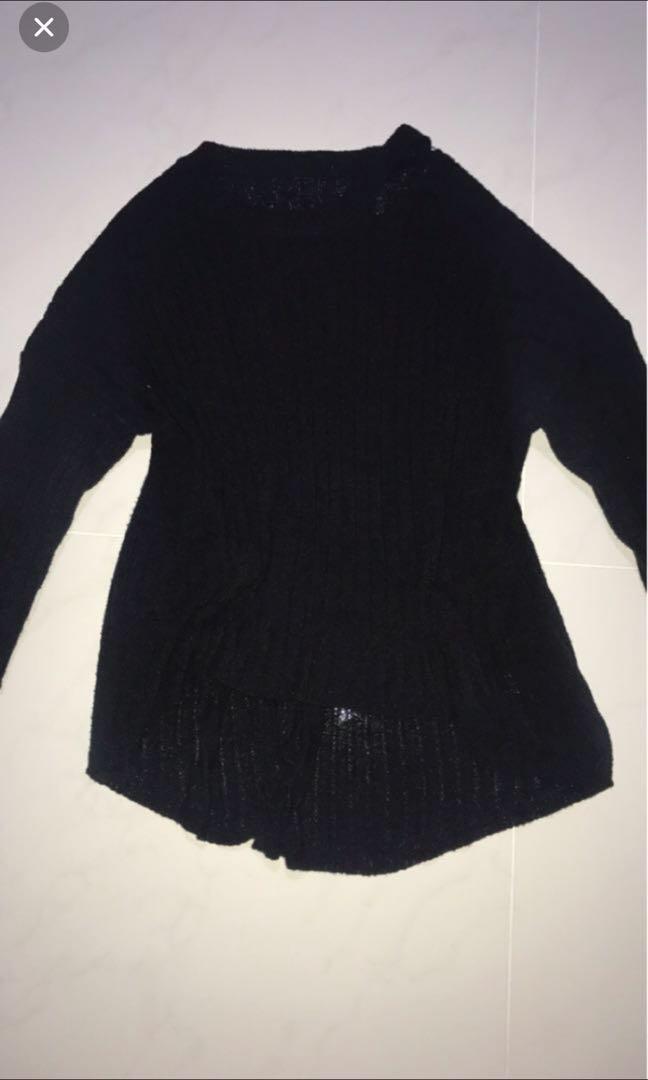 black cut thin sweater