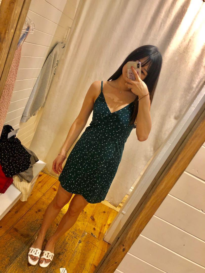 Brandy Melville floral dress in green 碎花連身裙 #summer19