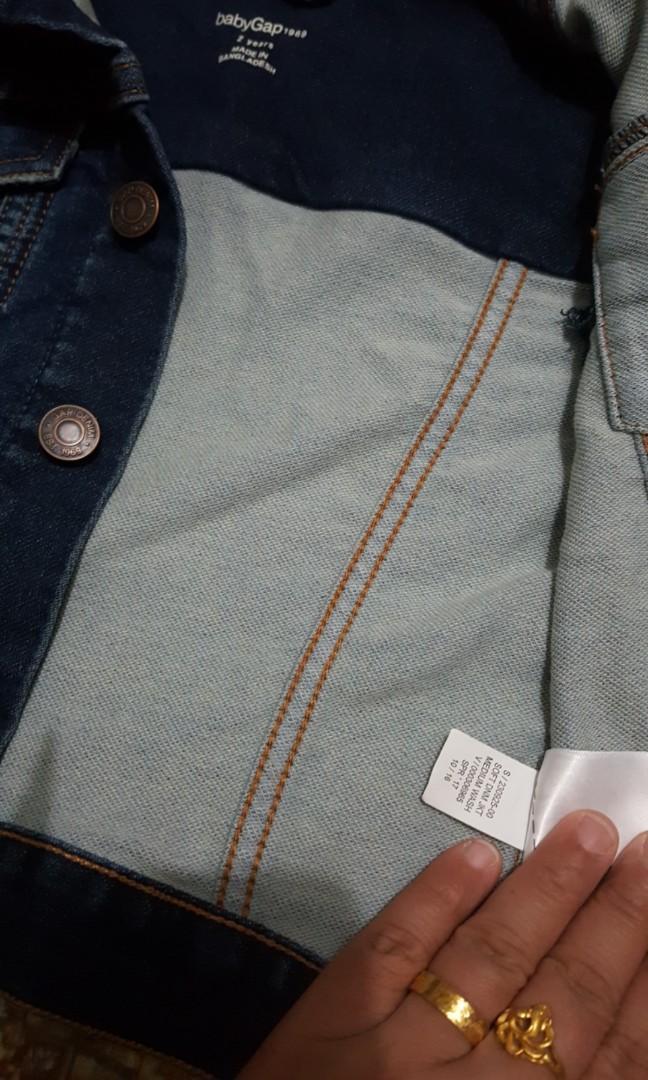 Denim jacket 😊 baby  gap ☺ 2 years 🤔 made  in  Bangladesh  😐