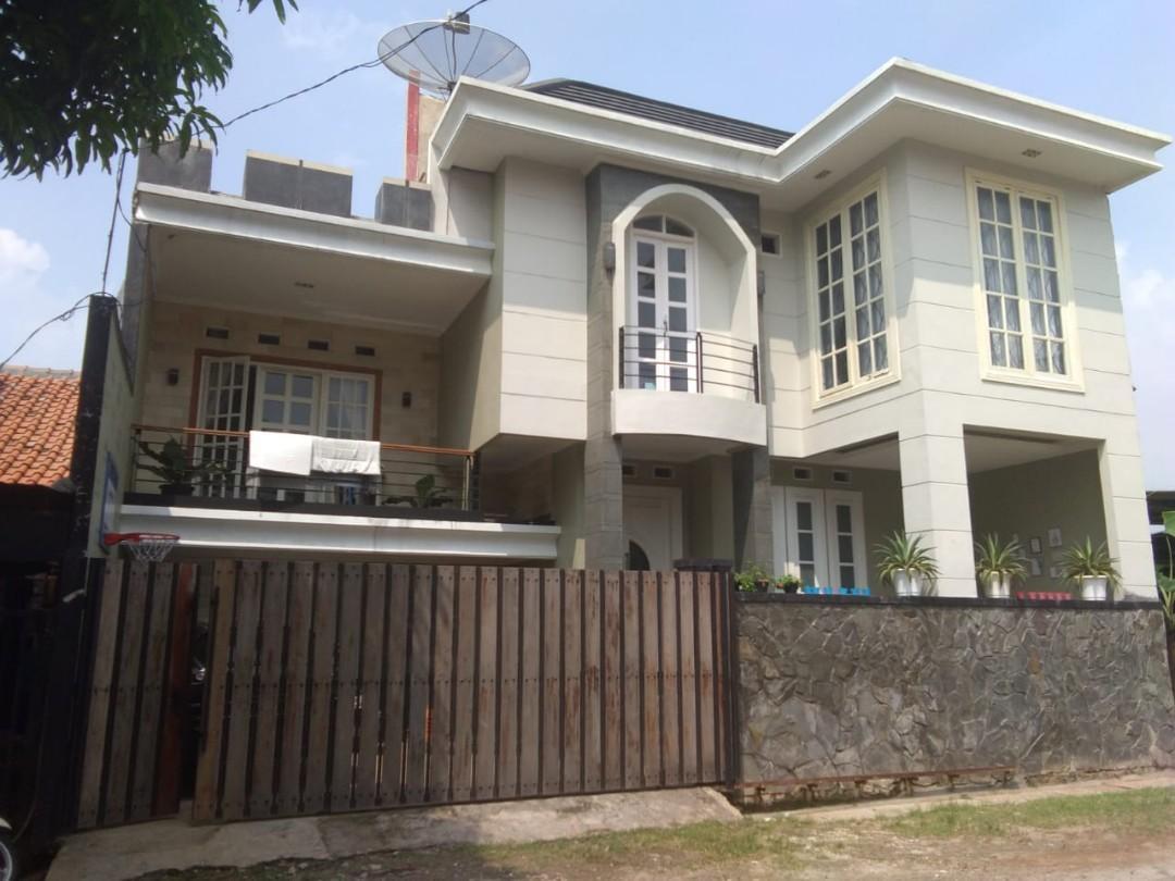 Di Jual Rumah Elegan Konsep Mezanine Lokasi Strategis Harga Ekonomis