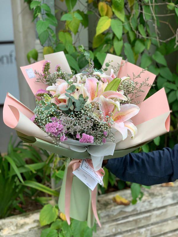 Flower Bouquet( Lily blossom )