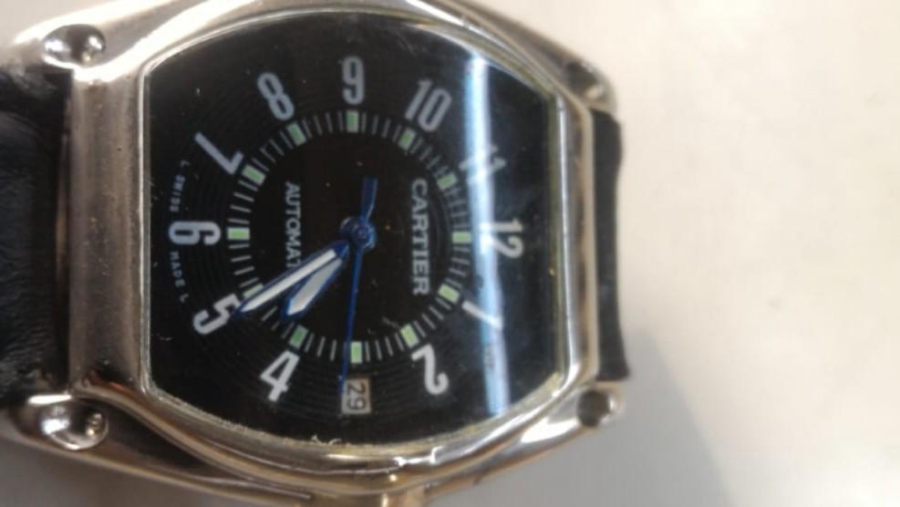 Jam tangan pria Cartier