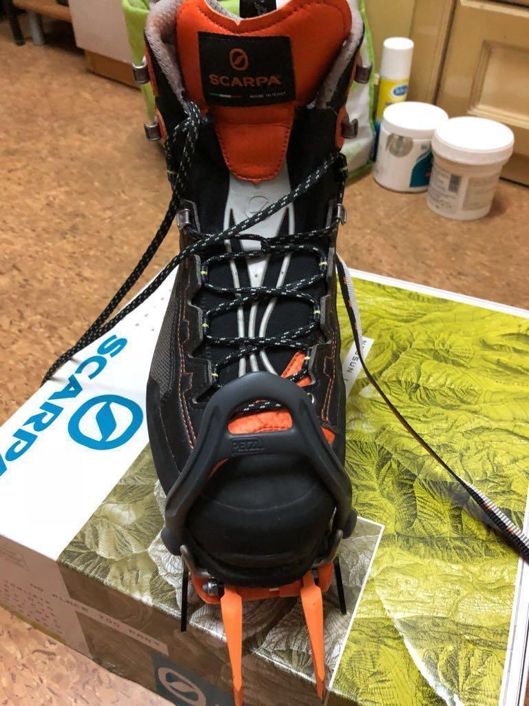 Scarpa mountain boots US8.5 (Made in Italy) 90% New Lightweight