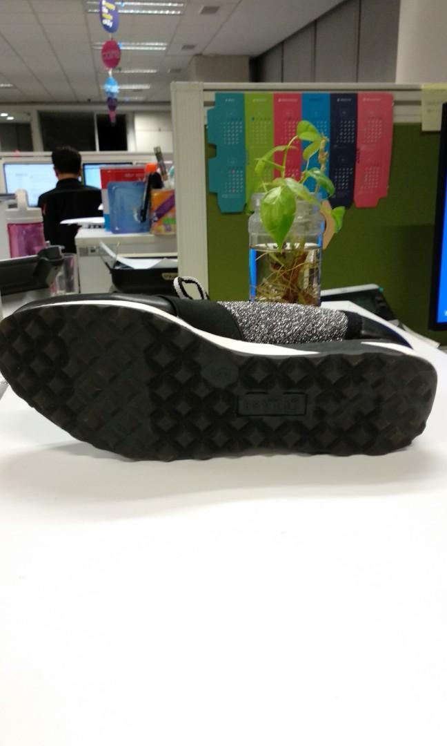 Sepatu Sneakers BRASH Payless