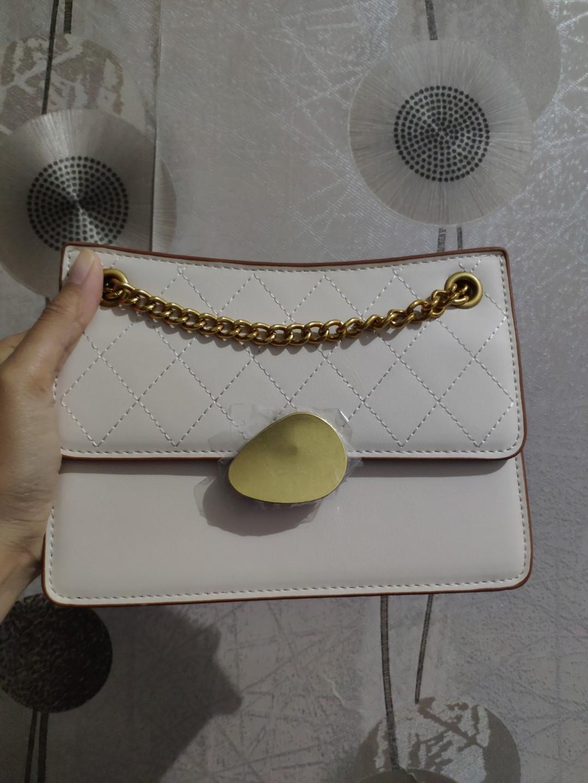 Sling bag / tas selempang fashion