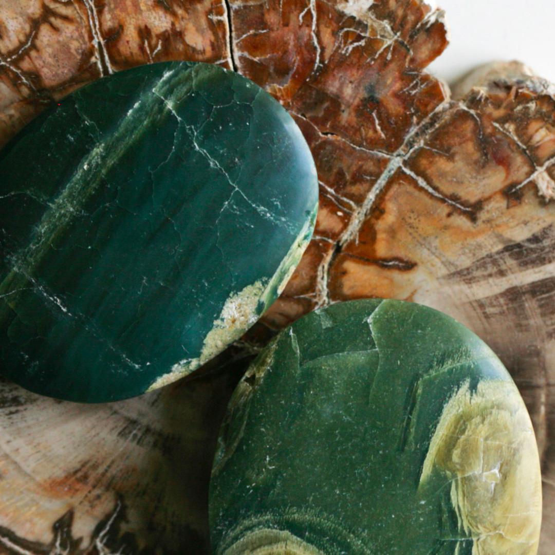 印尼蘇門塔臘Sumatra 綠色木化石打磨標本 Green colour Petrified Woods specimen 002
