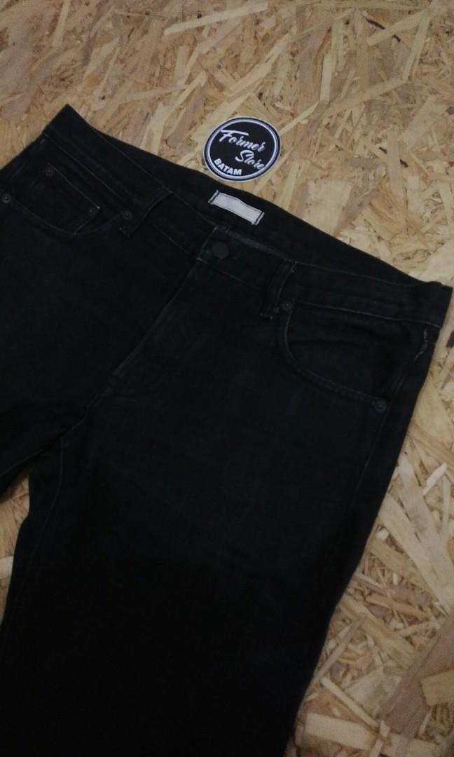 Uniqlo Black Selvedge Jeans Original