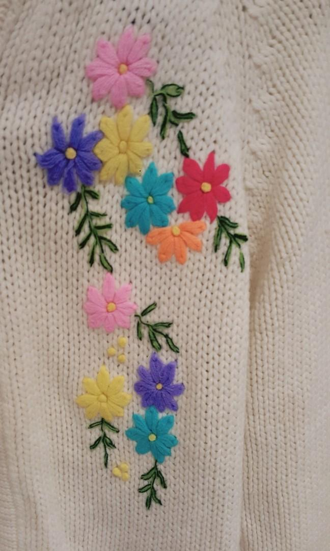 Vintage Hand Knitted Cream Cardigan With Flower Embroidery (Size S to M)