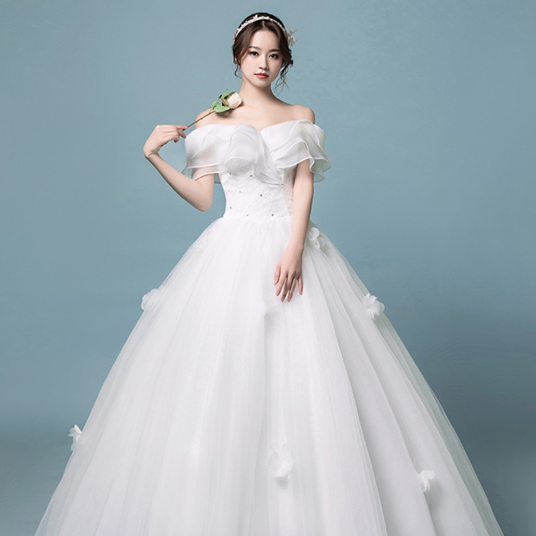8b0a67e8ae6 White Off Shoulder Wedding Gown for Rent